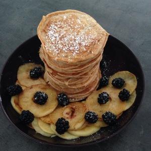 Pannenkoekjes van speltmeel en karnemelk
